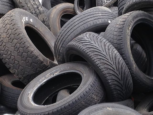 640px-Recycled_tires